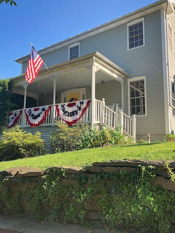Harpers Ferry Guest House: Family Suite