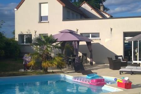 Villa avec piscine - Saint-Eloi