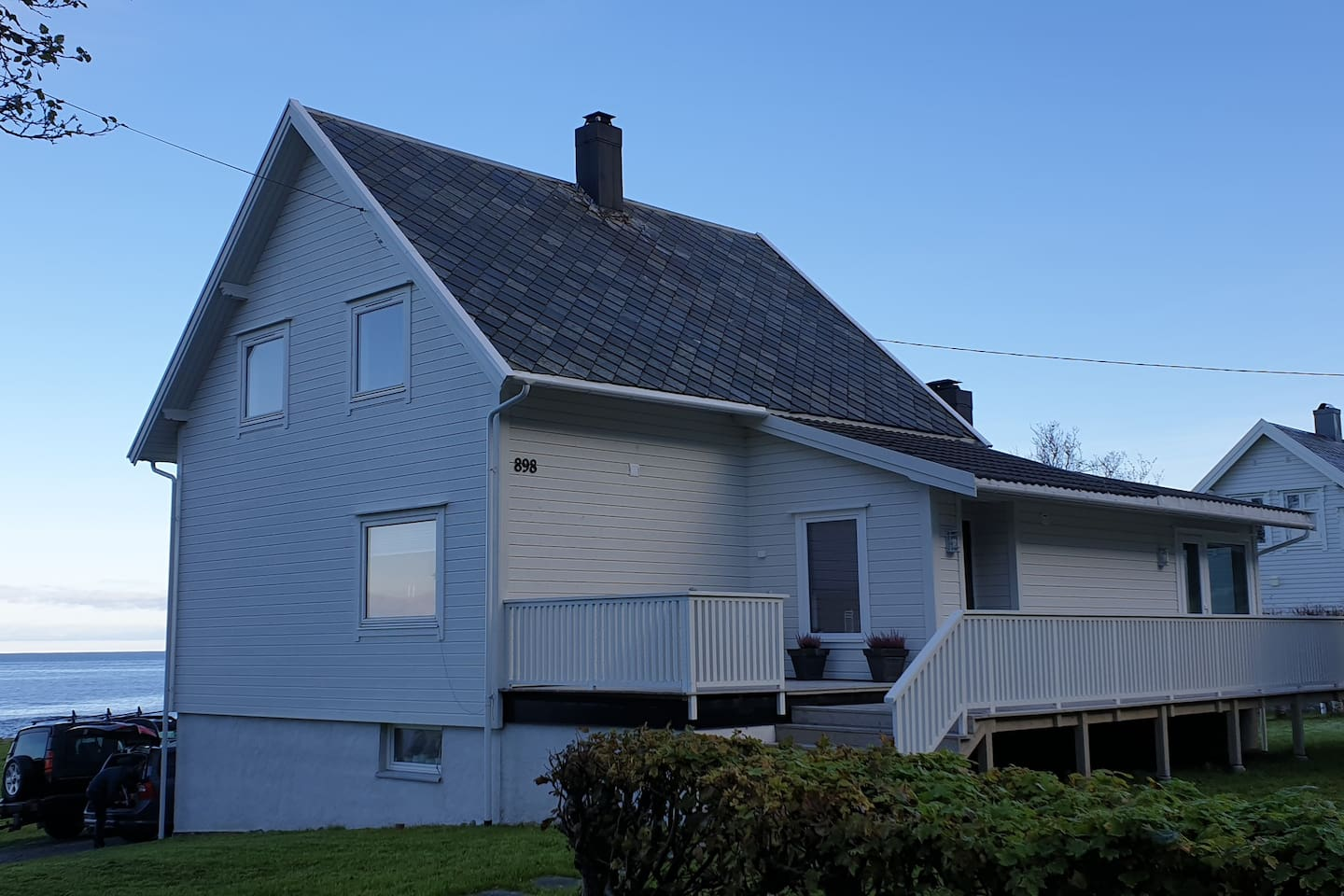 Large, recently renovated house in beatiful surrondings