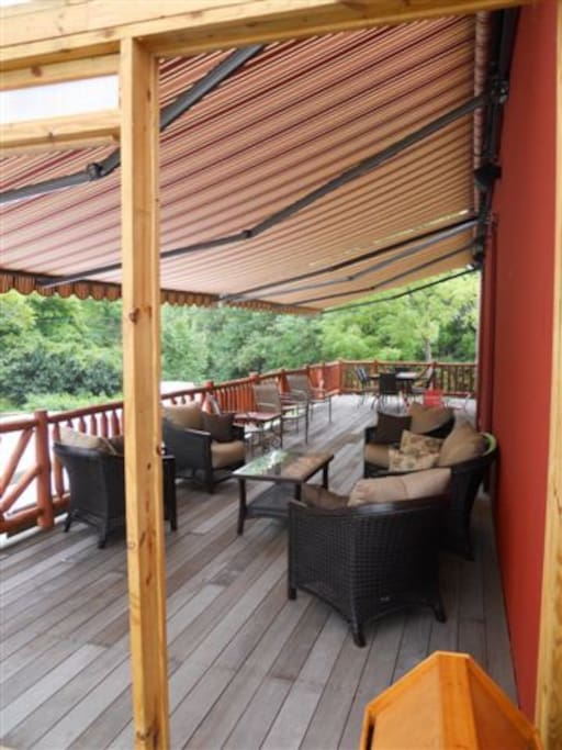 600 sq ft covered deck