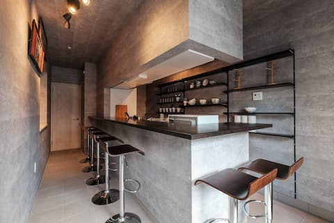 Entire House/5BRs+Kitchen Bar/5min walk to Subway/