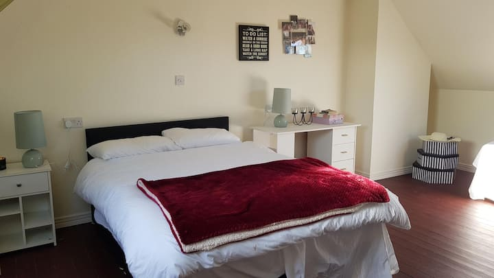 Two double rooms outside Galway City