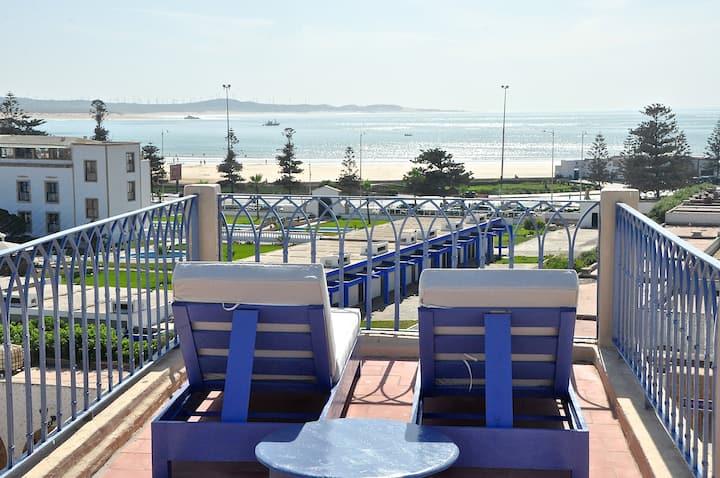 "Riad horizon chambre ""Bab doukala"" vue sur Ocean"