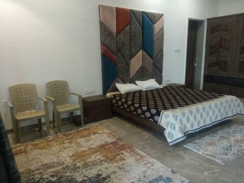 keshar parvat 5 bedrooms in middle of forest..