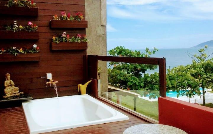 Linda Casa na Beira da Praia com Vista pro Mar