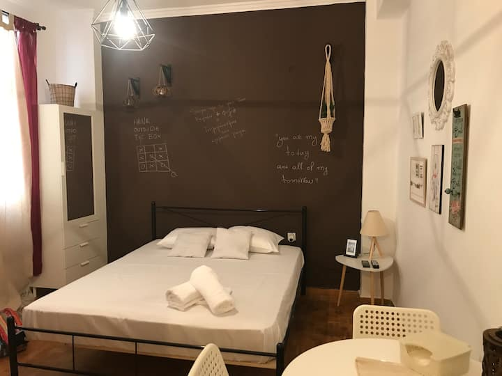 Lovely studio in Athens city center
