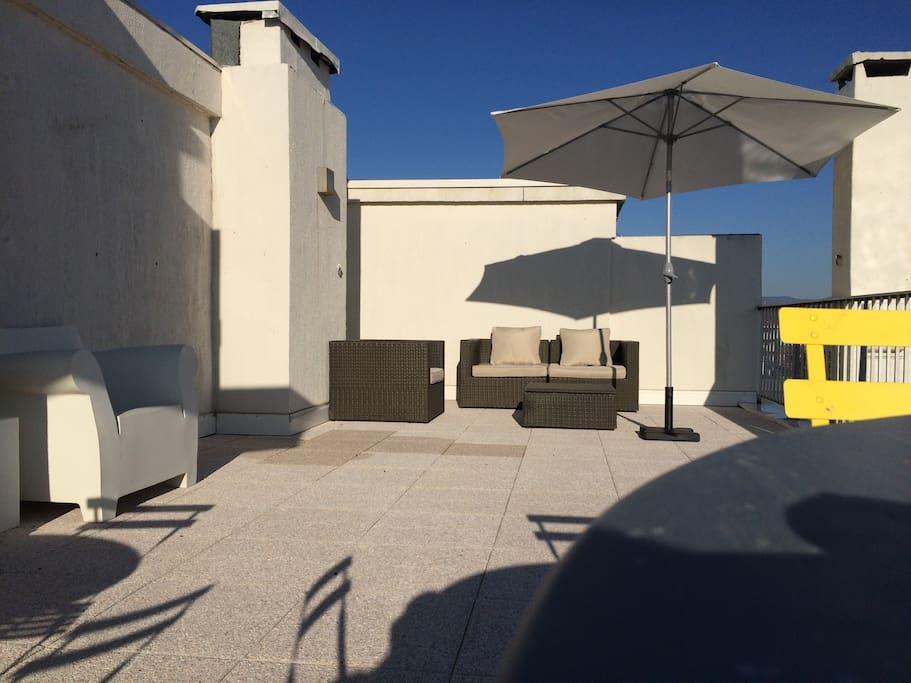 Terrasse de 50m2 toute équipée