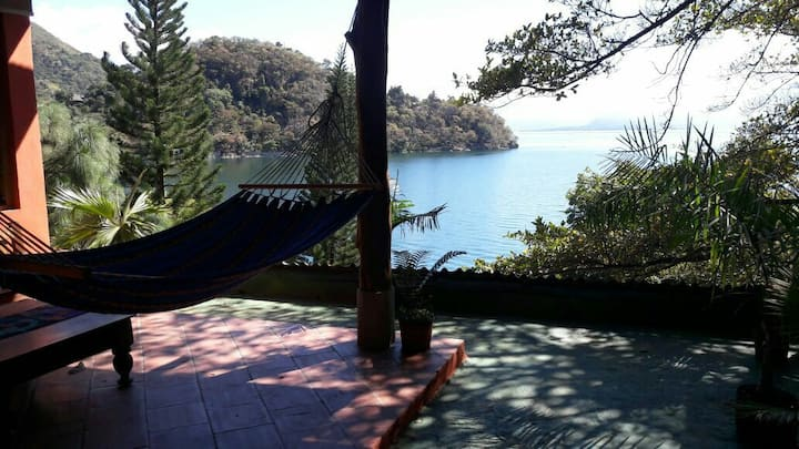 Piedra Paraiso, Exotic lake front villa #2