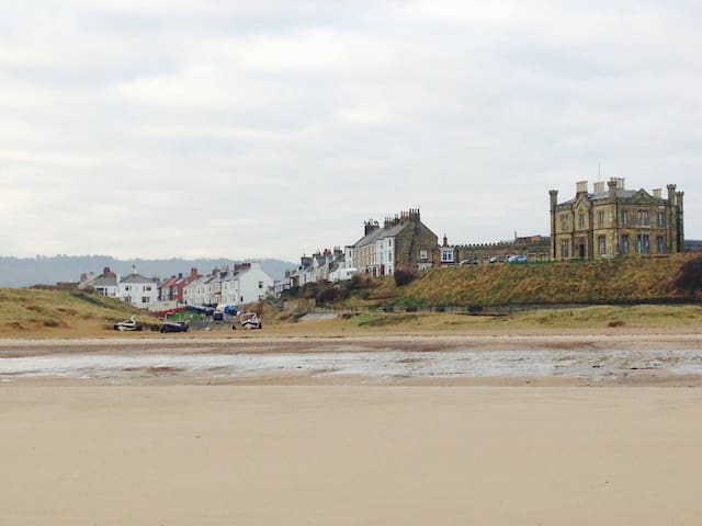 Marske-by-the-Sea, Home from Home