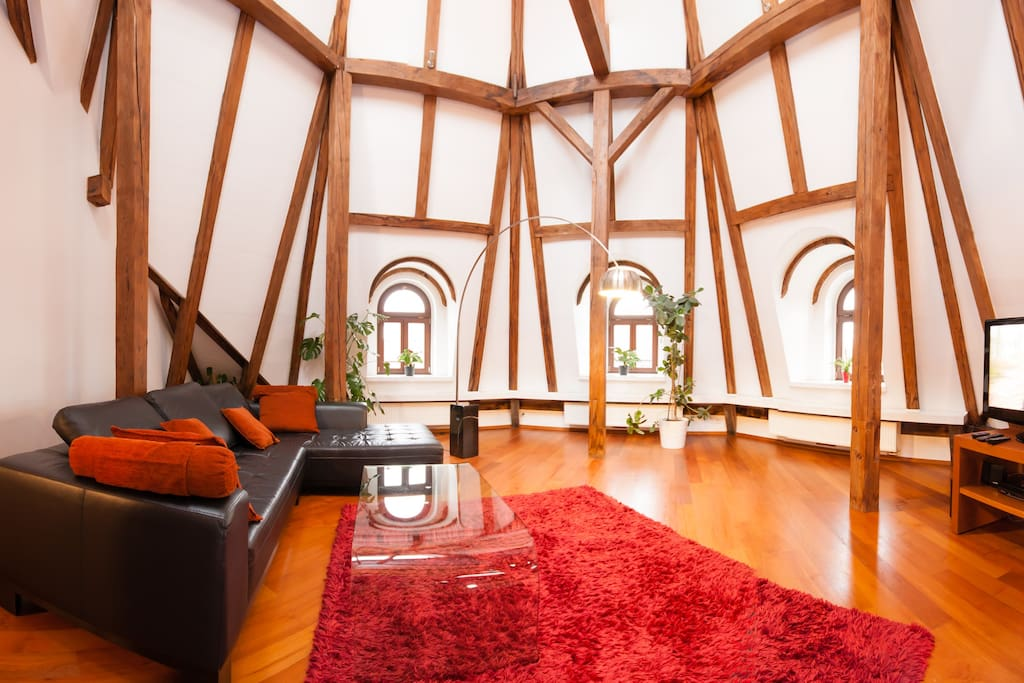 Luxury loft c 2br prague old town apartments for rent for Designer apartment prague
