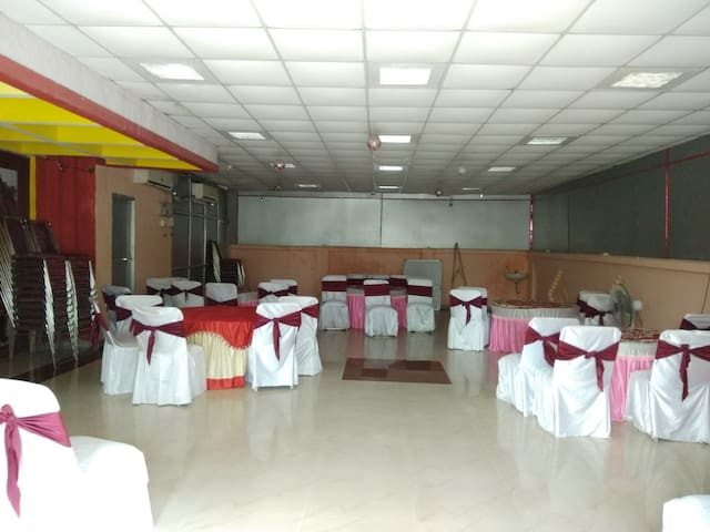Conference and party place with 5 double bedrooms
