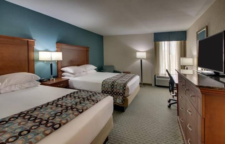 2 Queen Bedroom, Free Breakfast @ GreenTree Hotel