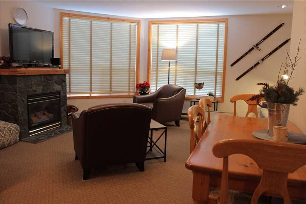 T326 Living Room 2