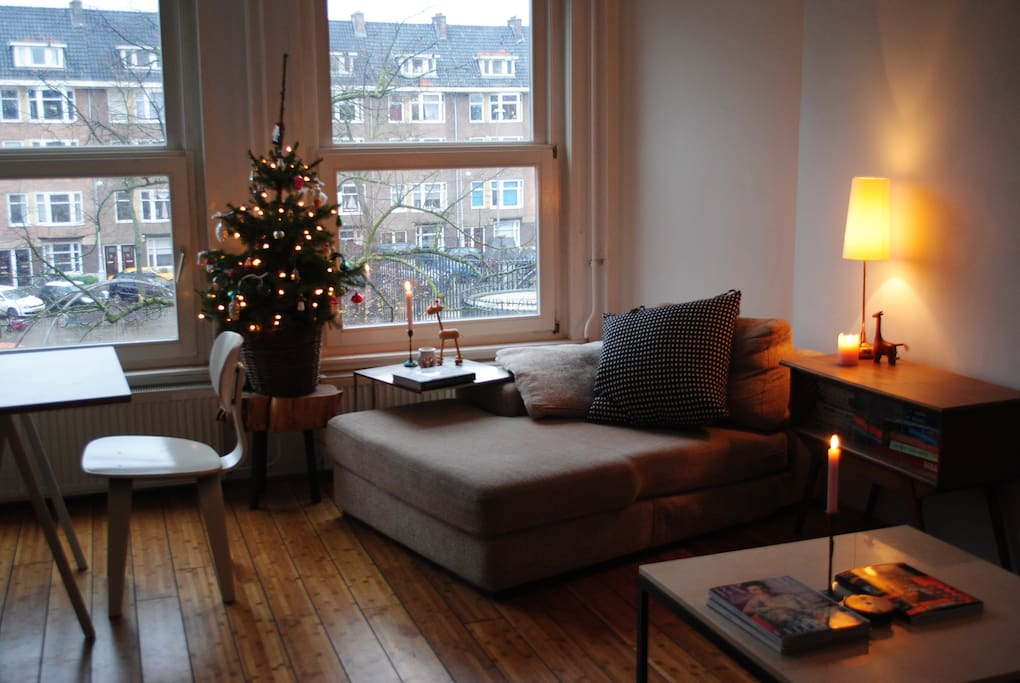 The living space has three large windows. They give a view to the square we live on. Flatscreen TV with Digital TV and DVD player available. X-mas tree only in December obviously! ;-)