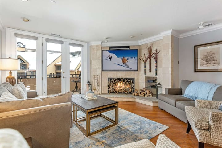 Newly Listed Luxury Condo!Steps to Beaver Creek Village, Mountain Views & Indoor/Outdoor Heated Pool
