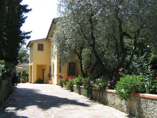 Appartamento panoramico vicinanze di Firenze - San Casciano in Val di Pesa - Lejlighed
