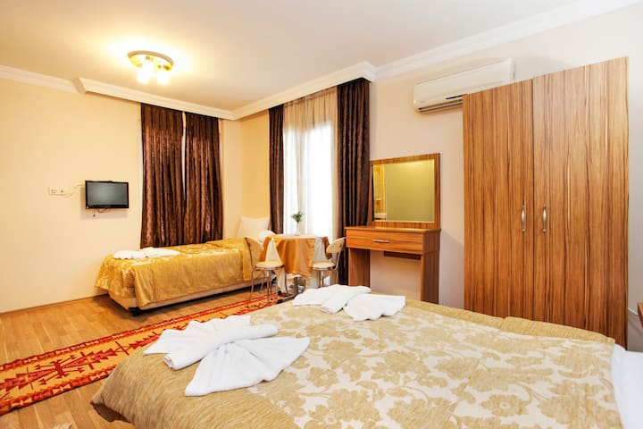 Private Room triple @With Breakfast - İstanbul - Bed & Breakfast