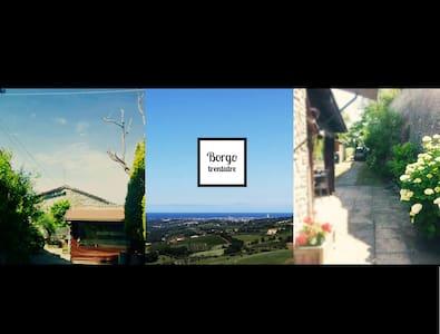 BORGO TRENTATRE - Verucchio - Huis