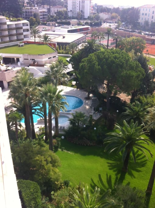 down of the appartment , swimming pool/ spa / tennis...