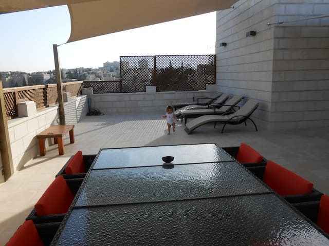 By The Lemon Tree Furnished Rooms - Amman