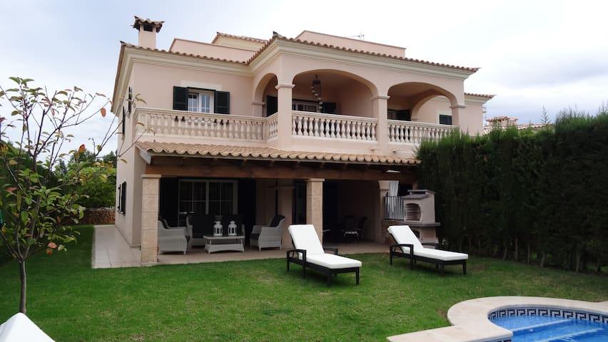 Villa La Perla. Pool/garden/WIFI - Puigderrós - Casa