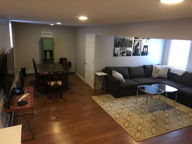 Stylish In-Law Apt. in E. Norwalk!