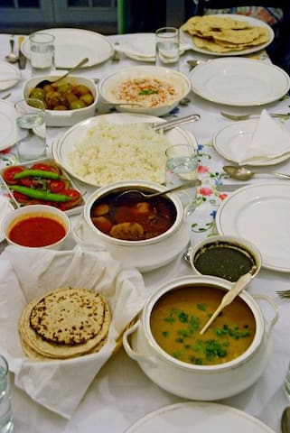WARM & HOMELY STAY IN AJMER - Ajmer - Inap sarapan