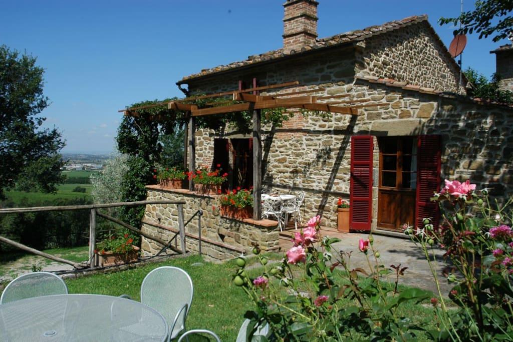 Deliziosa villa rustica in toscana ville in affitto a for 3 piani della casa della camera da letto di storia 5
