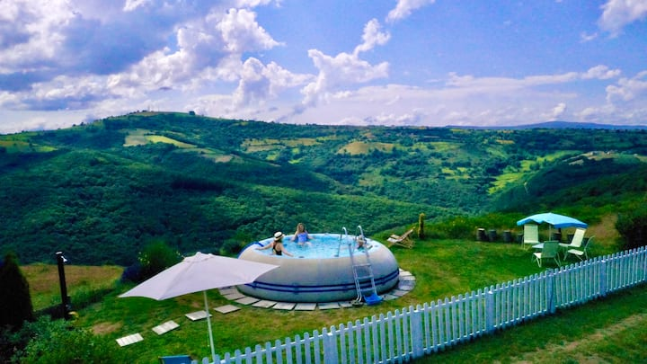 Mountain hideaway with private pool & tennis
