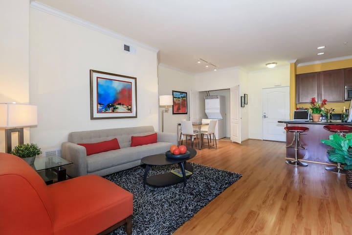 AMAZING apartment in the BEST Downtown LA area!!!!