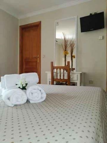 Habitación Matrimonio en Hotel Puente Vidosa