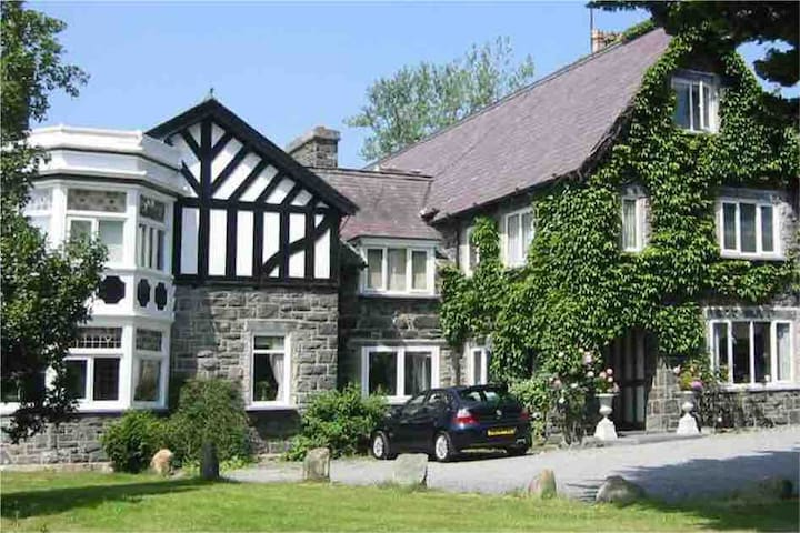 Double Room In Country Manor House