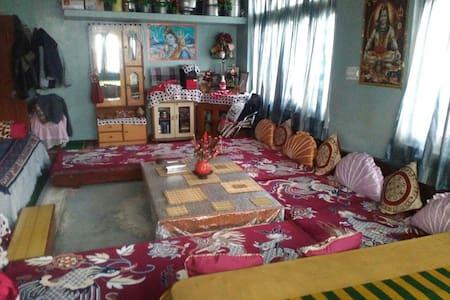 Gee Dee Home Stay - Duwara - Huis