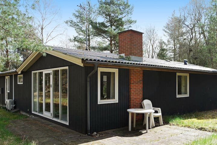 Luxurious Holiday Home in Hadsund with Whirlpool
