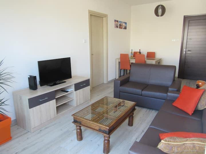 2-Bedroom Dasoudi Beach apartment
