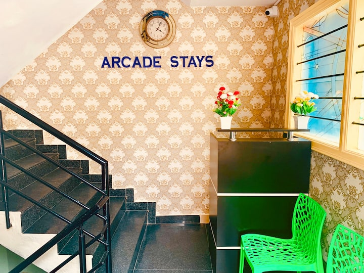 Arcade Stays Guest Rooms for Girls with Breakfast