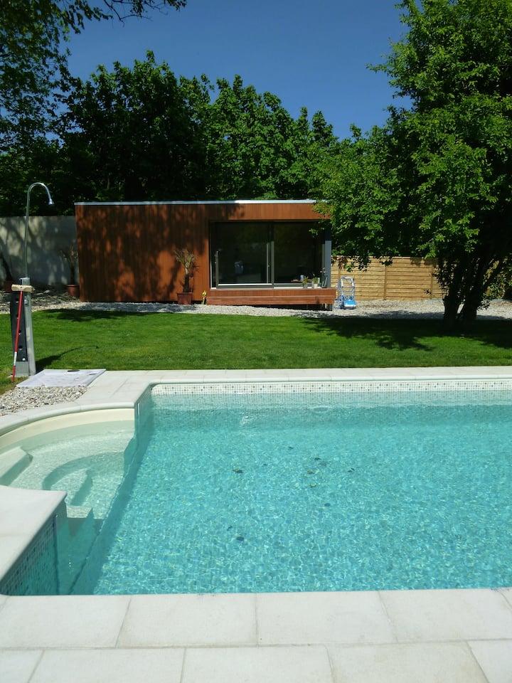 Sommerhaus mit Pool und Whirlpool in Werder