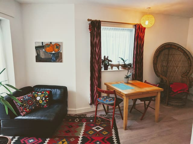 Modern, comfortable one bdrm home in Clerkenwell