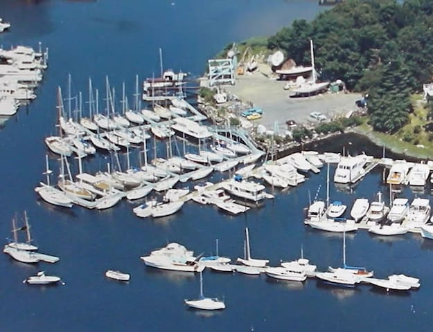 Waterfront living on a boat in private club - New Rochelle - Boat
