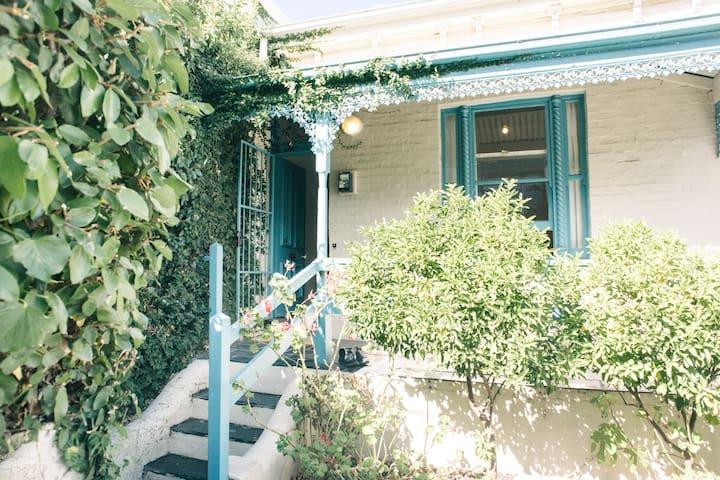 River street cottage