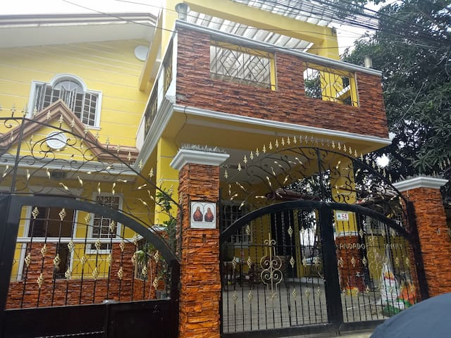 Spacious  Fully furnished house in Antipolo City