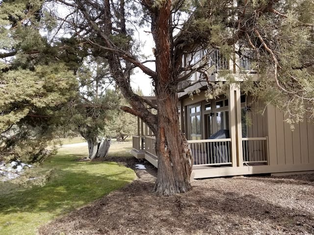 Eagle Crest 2 Bedroom Condo - 3rd night only $99