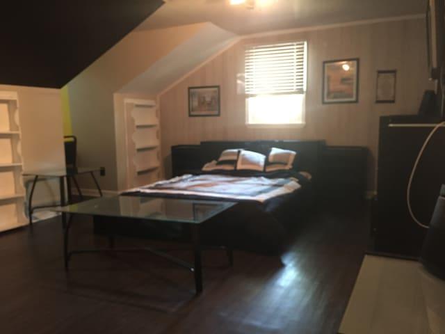 The modern affordable guest room - หาดเวอร์จิเนีย