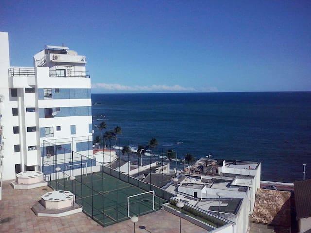 Duplex - vista panorâmica  mar - piscina - Wi-Fi