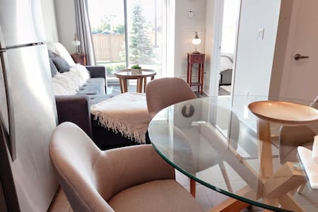 💖 Lovely 1BD+1BH apartment high ceilings w/ patio