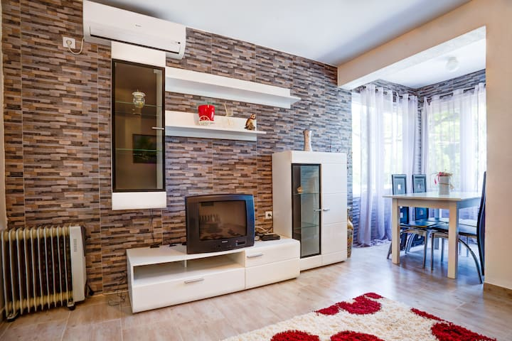 Modern Apartment  with 1BR for 4 People