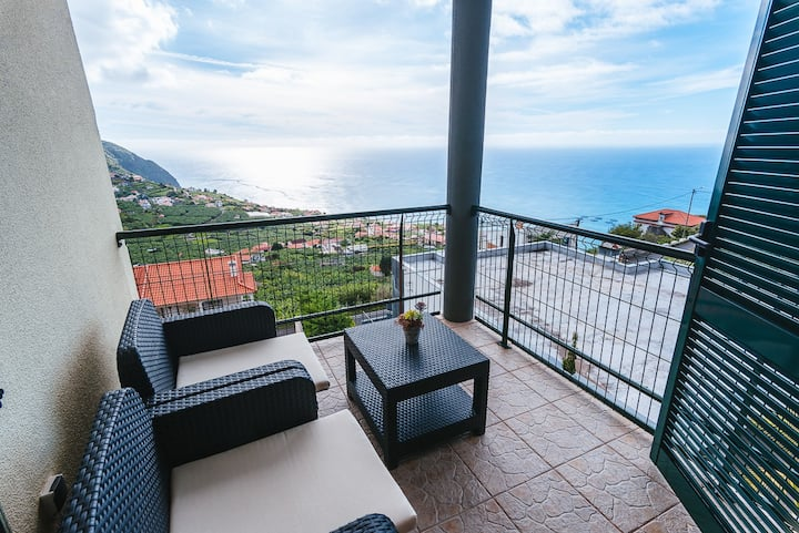 Private Sunshine Panoramic Sea View Apartment B