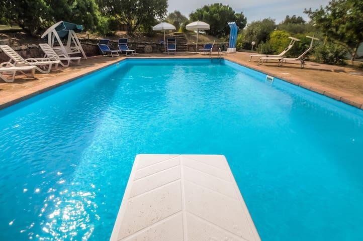 Alghero Villa Le Querce per 10 persone con piscina