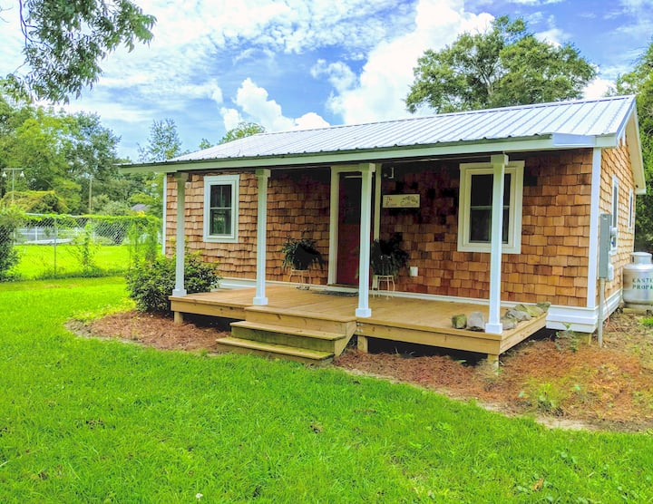 Rose Cottage Boasting of Charm, Charm and more Charm