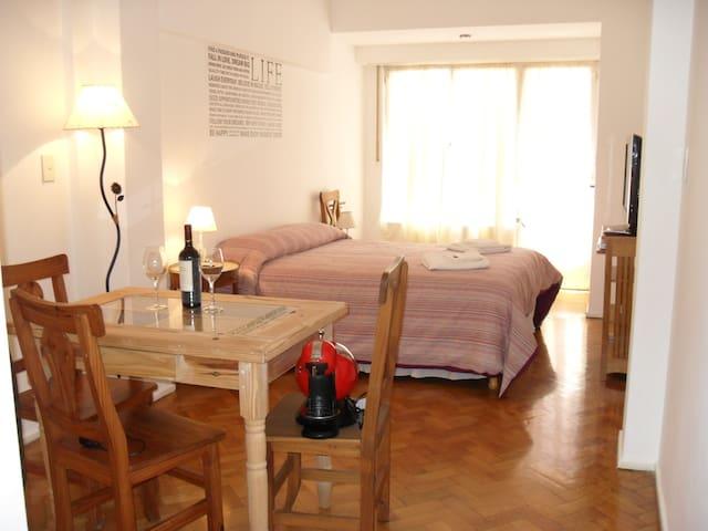 Hermoso Apartamento en Recoleta 300 megas Wifi